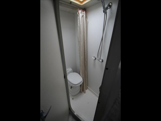 1999 Island Star Concorde W/Combo Shower & Toilet