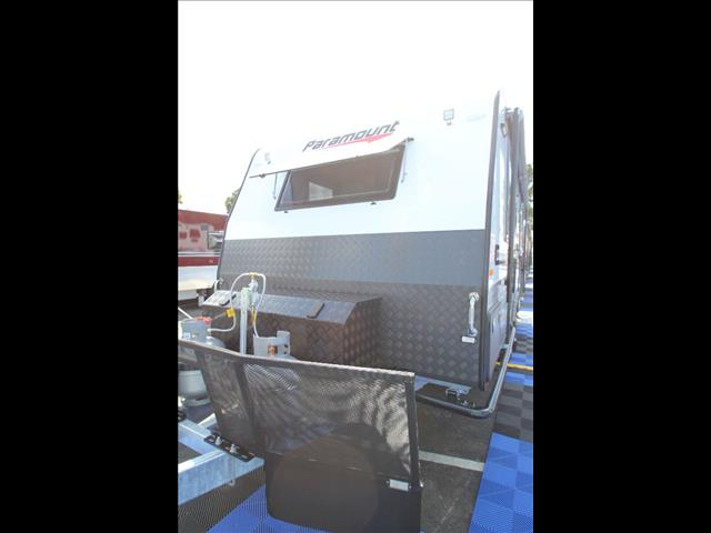 20'6 Paramount Commander MAX Pack with ensuite separate shower & toilet C5446