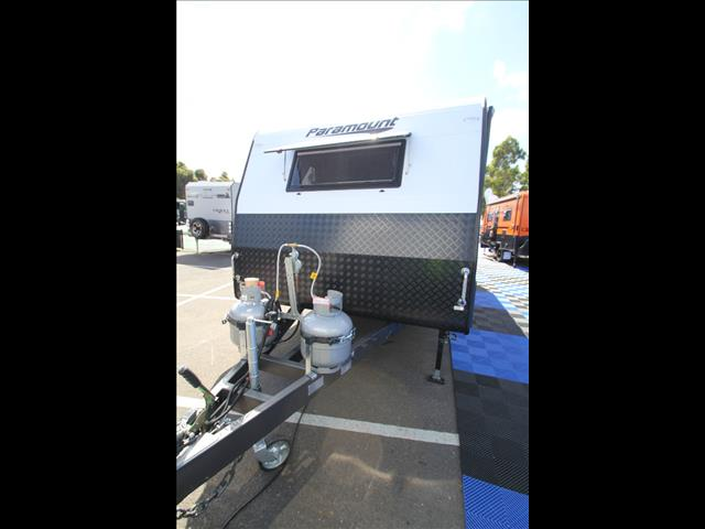 20'6 Paramount Commander XT with ensuite separate shower & toilet C5423