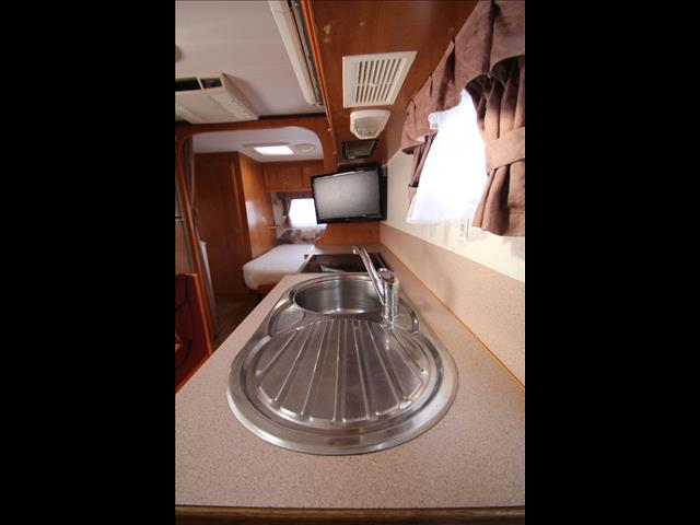2005 Paramount Delta with combo shower & Toilet