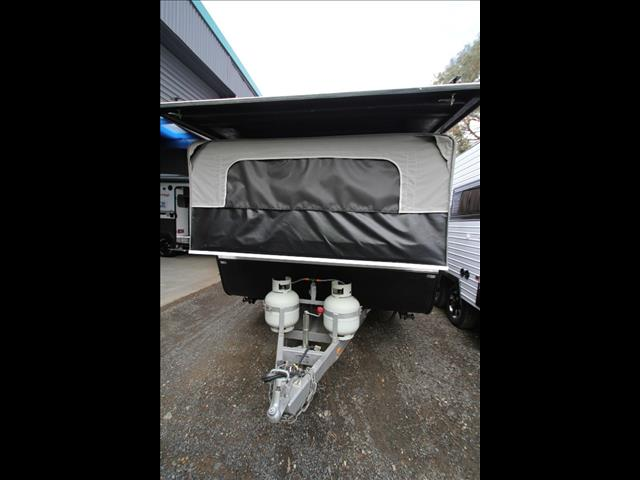 2010 Paramount Duet Mk II w/ensuite shower and toilet