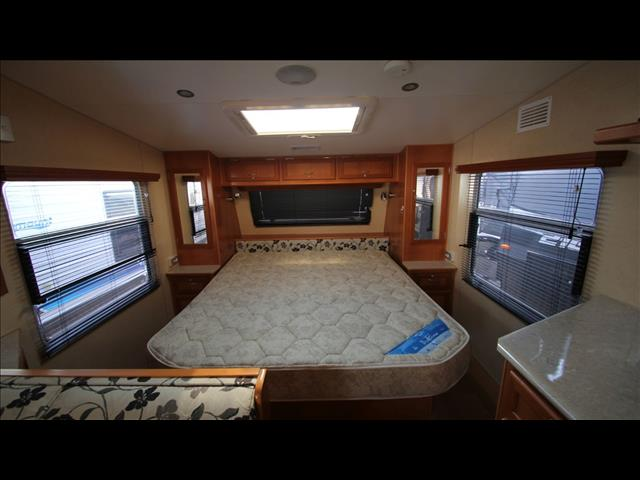 2010 Olympic Seaview 640SS w/Ensuite shower & Toilet