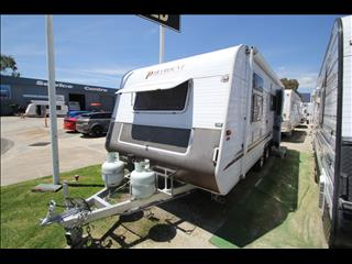 2006 Paramount Delta shower & toilet 18'6