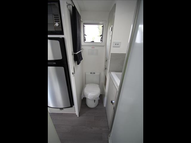 18'6 Commander single Axle off road with full Ensuite