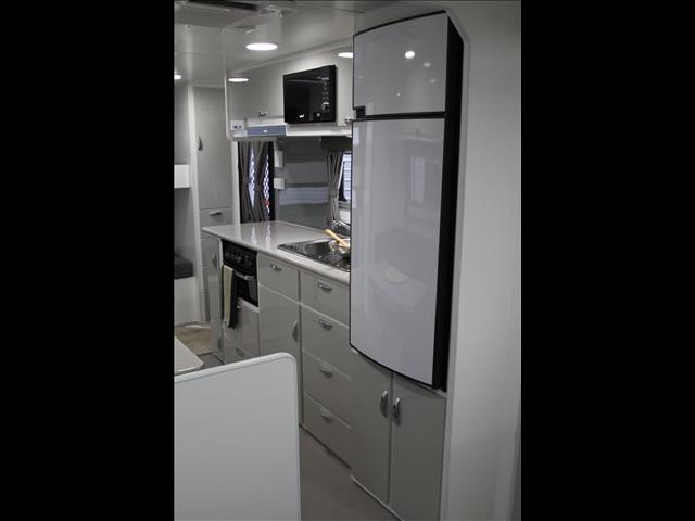 20'6 Golden Eagle Escape Family Bunk caravan with shower