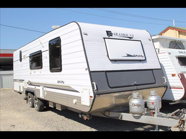 2012 Paramount Utility with full ensuite toilet and shower