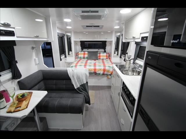 2017 Golden Talon 18' full Ensuite