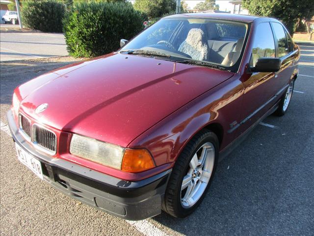 1994 BMW 3 18i 4D SEDAN