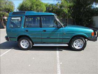 1995 LAND ROVER DISCOVERY V8i (4x4) 4D WAGON