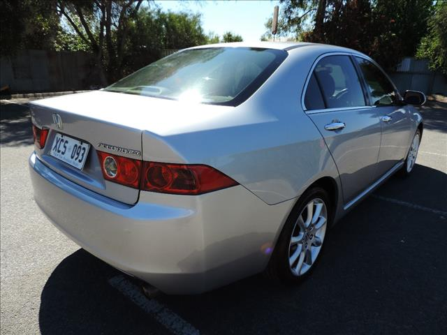 2005 HONDA ACCORD EURO LUXURY 4D SEDAN