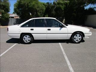 1991 HOLDEN COMMODORE EXECUTIVE VN 4D SEDAN