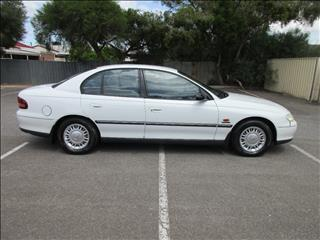 2000 HOLDEN COMMODORE EXECUTIVE VTII 4D SEDAN