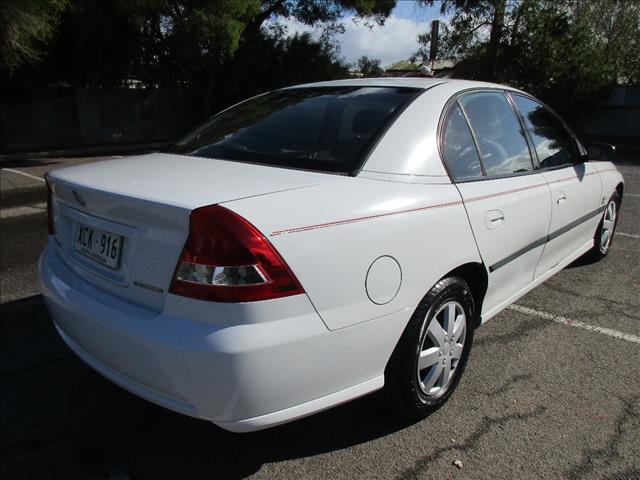 2004 HOLDEN COMMODORE EXECUTIVE VZ 4D SEDAN
