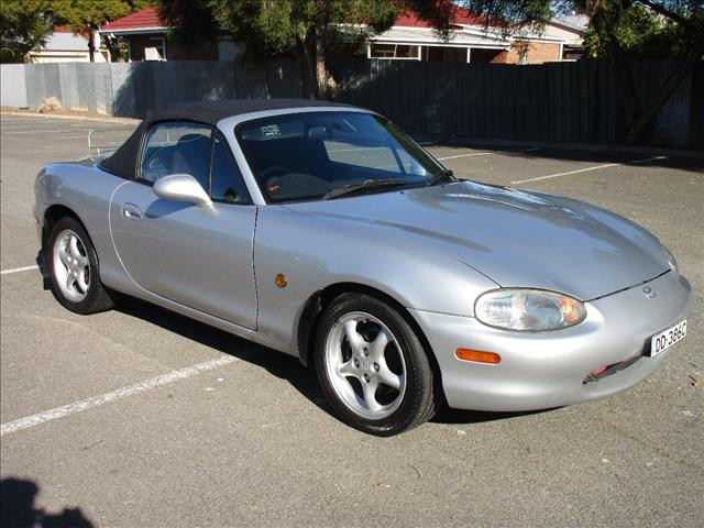 2000 MAZDA MX-5 NB 2D CONVERTIBLE