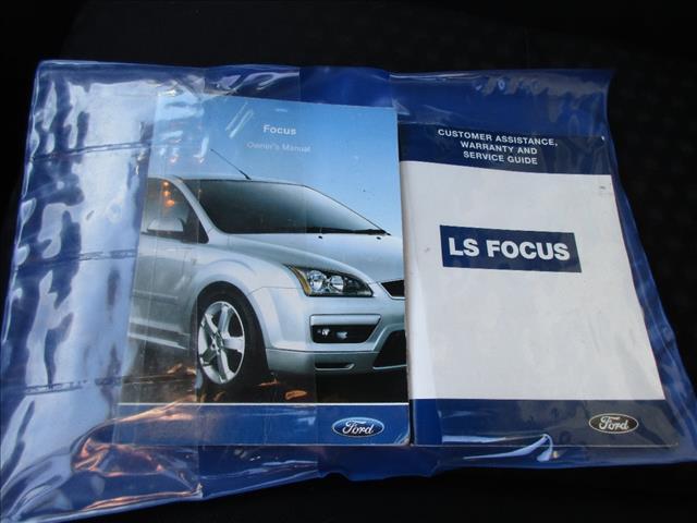 2006 FORD FOCUS CL LS 4D SEDAN