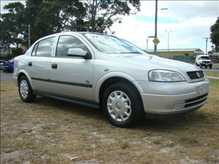 2002  HOLDEN ASTRA CITY TS SEDAN