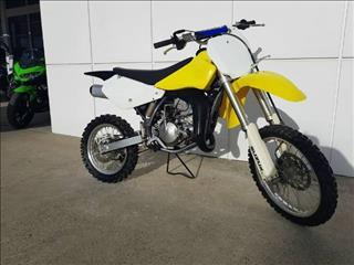 2010  SUZUKI RM85 MOTOCROSS  CYCLE