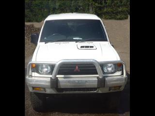 1993 Mitsubishi Pajero Station Wagon.