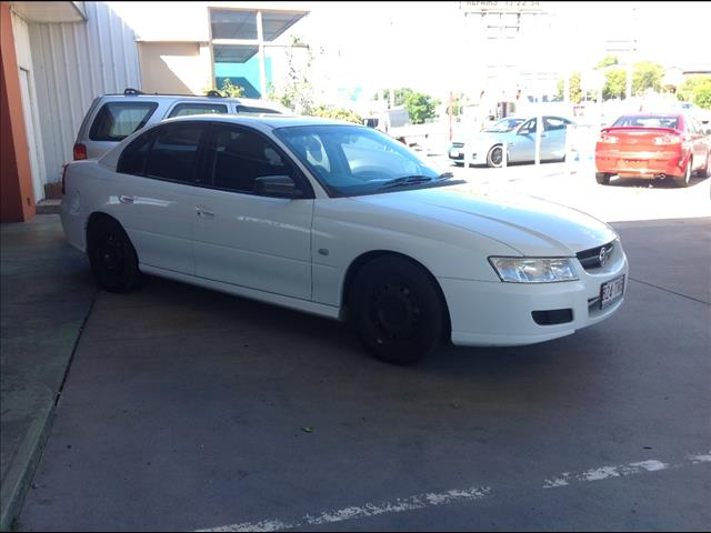 2006 HOLDEN COMMODORE EXECUTIVE VZ 4D SEDAN
