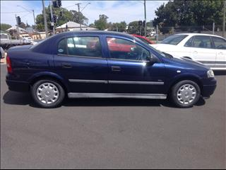 2000 HOLDEN ASTRA CITY TS 4D SEDAN