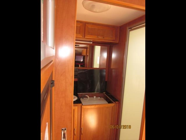 "USED 2008 22'6""x7'9"" RETREAT BRAMPTON CARAVAN"