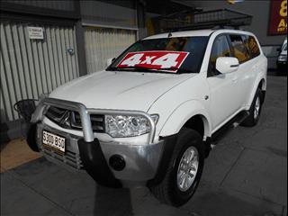 2013 MITSUBISHI CHALLENGER LS 5 SEAT 4X4 PC MY14 4D WAGON