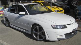 2004 HOLDEN SPECIAL VEHICLE CLUBSPORT R8 YII 4D SEDAN