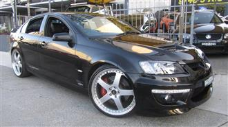 2011 HOLDEN SPECIAL VEHICLE CLUBSPORT R8 E3 MY12 4D SEDAN