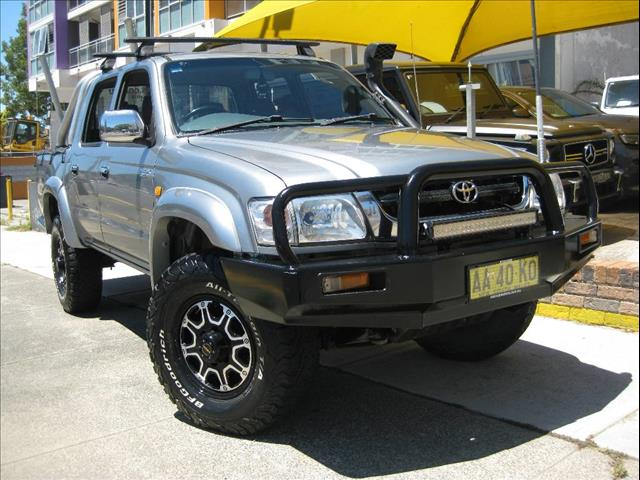 2004 TOYOTA HILUX SR5 4X4 KZN165R DUAL CAB PUP