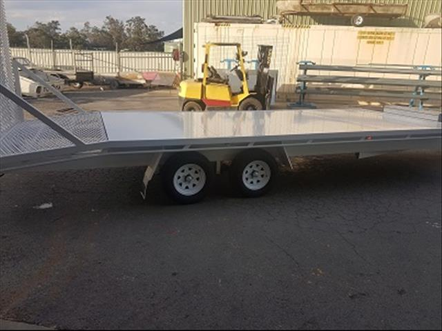 2017 mcneill flat deck with tailgate ramp