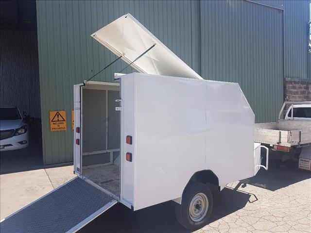 2006 used just trailer bike trailer enclosed