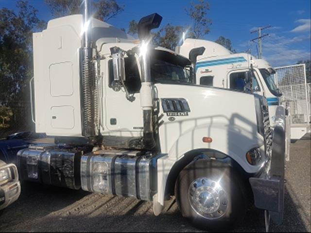 Used 2011 Mack Trident Prime Mover