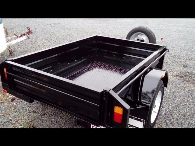 6*4 mcneill box trailer 2017