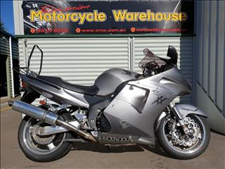 2006 HONDA CBR1100XX (SUPER BLACKBIRD) 1100CC 6 SPORTS