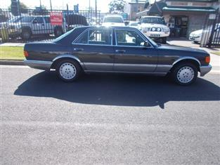 1987 MERCEDES-BENZ 300SE  W126 SEDAN