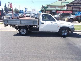 2004 TOYOTA HILUX  LN147R CAB CHASSIS