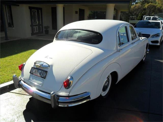 1957  JAGUAR 2.4