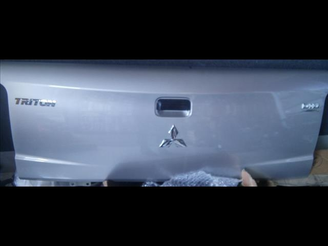 MITSUBISHI TRITON MQ MODEL TAIL GATES BOTH GLX & GLXR