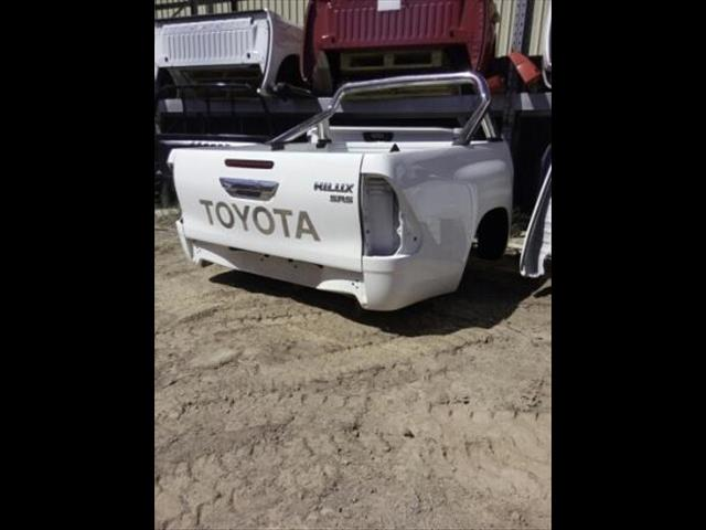 TOYOTA HILUX 15-ON MDL TAIL GATES SR & SR5