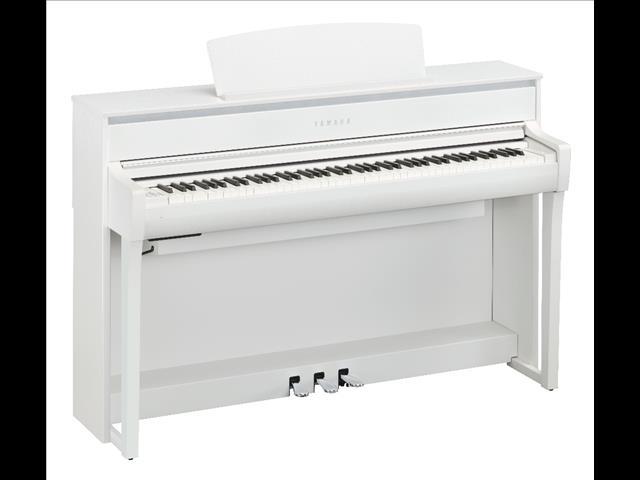 Yamaha Clavinova Digital Piano CLP675 - Black