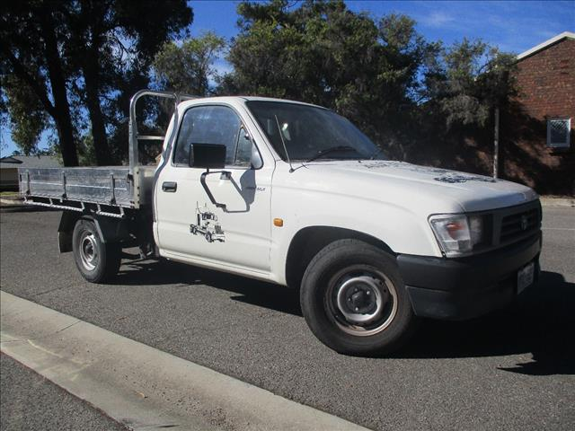 2001 TOYOTA HILUX WORKMATE RZN147R C/CHAS