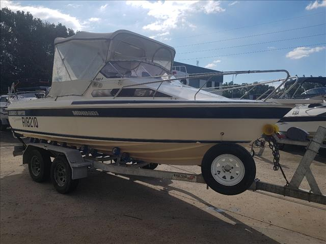 1993 Haines Hunter Half Cabin