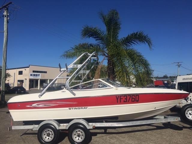 Stingray 195LS Bow Rider