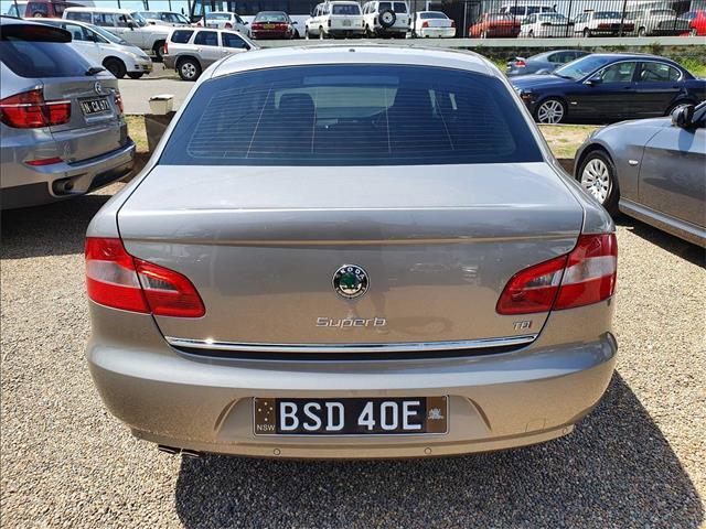 2011  SKODA Superb Ambition 3T Sedan