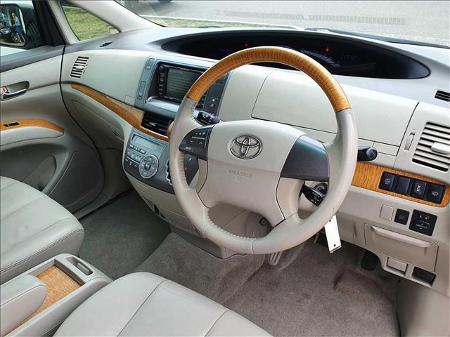 2011  Toyota Tarago Ultima GSR50R Wagon