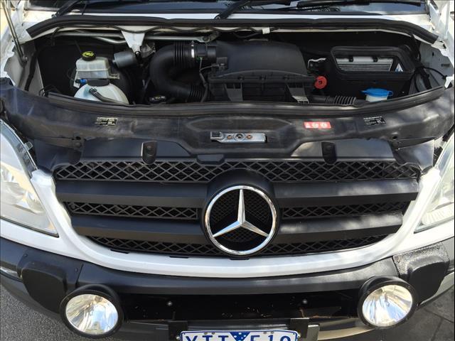2011 MERCEDES-BENZ SPRINTER 319 CDI MWB 906 MY11 3D VAN