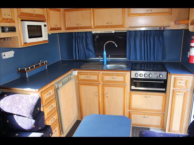 2004 Regent Cruiser SE Series 3 Caravan 19'