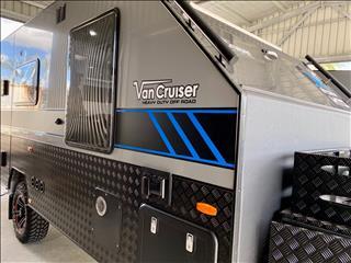 2020 Van Cruiser Caravans 17' HTO Storm with Recliners