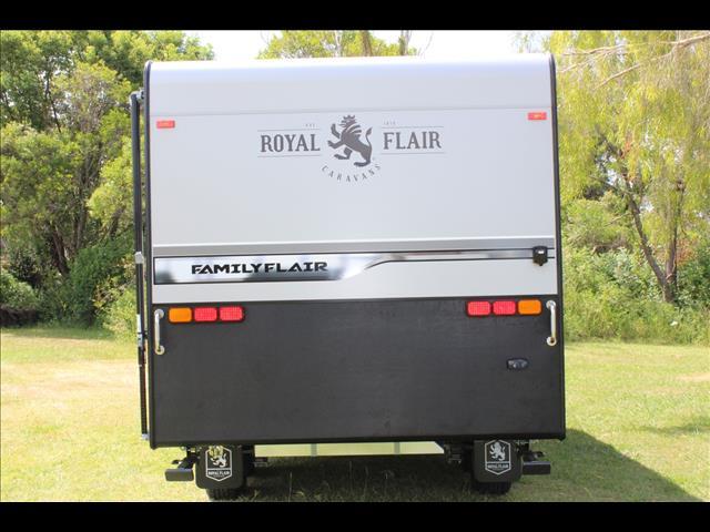 2018 Royal Flair Family Flair 21-2 Club Lounge