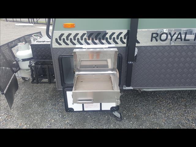 """2017 """"Royal Flair"""" AUSSIEMATE Full Off Road Caravan"""